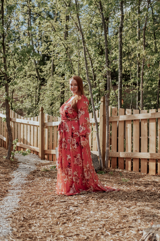curvy blogger @lolo_russell wearing faux wrap floral summer maxi dress from pink blush plus size women's collection