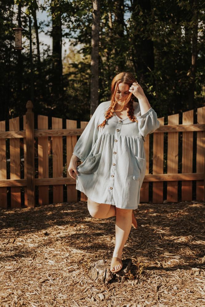 curvy plus size blogger lolo_russell wearing chic soul waffle knit swing dress in dusty mint