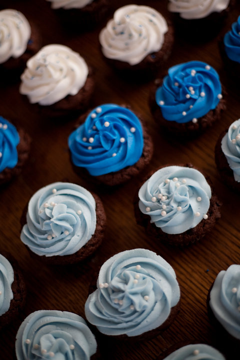 Blue And White Baby Shower Cupcakes Lolos Cakes Amp Sweets