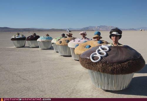 Mmm cupcake people.