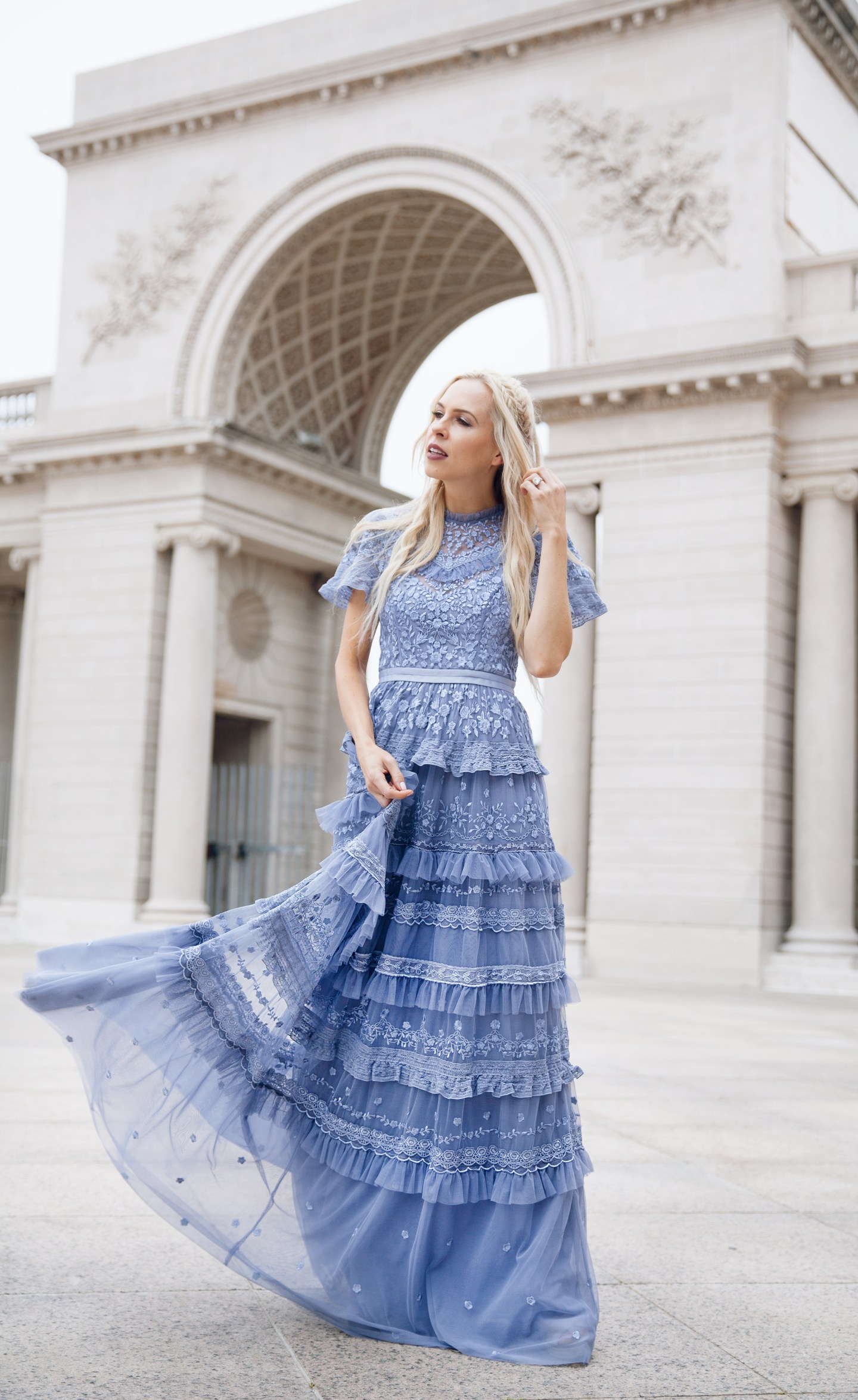 Top San Francisco fashion blog, Lombard and Fifth, features her tips on How to Ebay effectively: image of a blonde woman wearing a stunning maxi dress found on Ebay