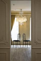 foto vuoto con due sedie