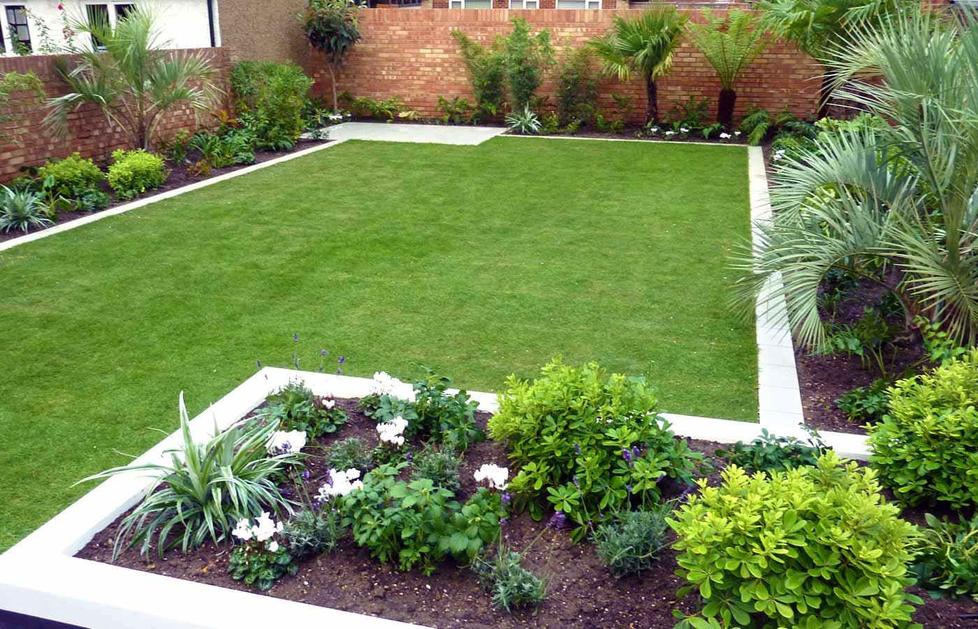 modern garden edge | http://lomets.com on Modern Backyard Landscape Ideas id=33827