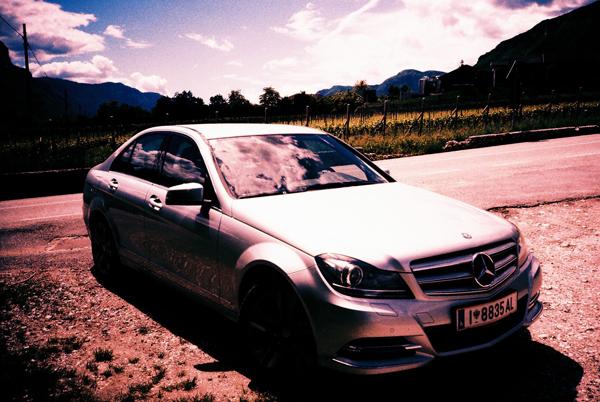 Yep. Mit dieser Schnitte habe ich meine Plastikkameras durch ganz Südtirol kutschiert! :)