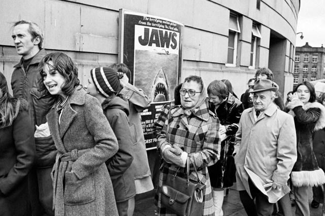 Jaws Queue - © Martin Parr / Magnum Photos
