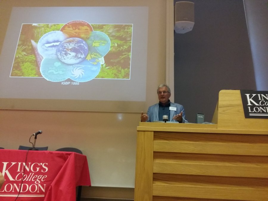 Prof. Chris Rapley gave the first Keynote speech of the conference