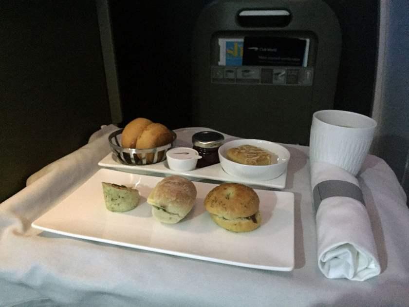 BA Club World Pre-landing snack BA95 London Heathrow - Montreal June 2018