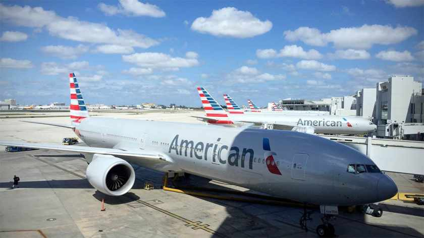 American Airlines Flagship Lounge, Miami, Views of the apron