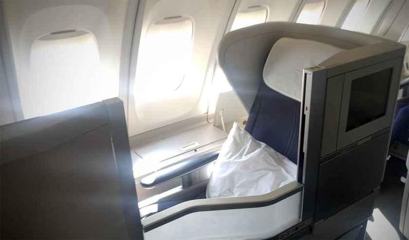 British Airways Club World Cabin Boeing 747 Upper Deck