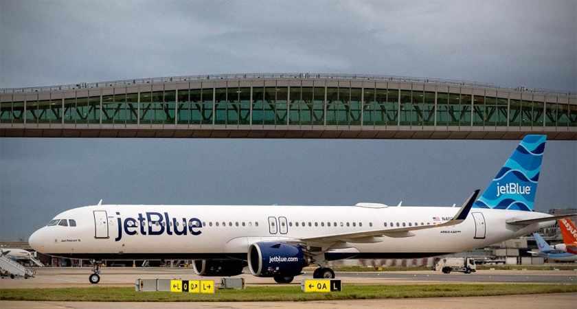 JetBlue Airbus A321LR N4022J Aircraft, London Gatwick Airport, 30 September 2021