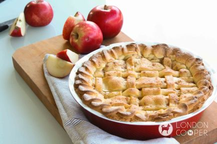 Home made apple pie