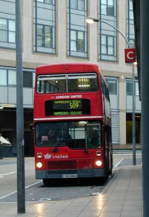 London United MCW Metrobus M 1353 (C353 BUV) at Hammersmith, 29 October 2000