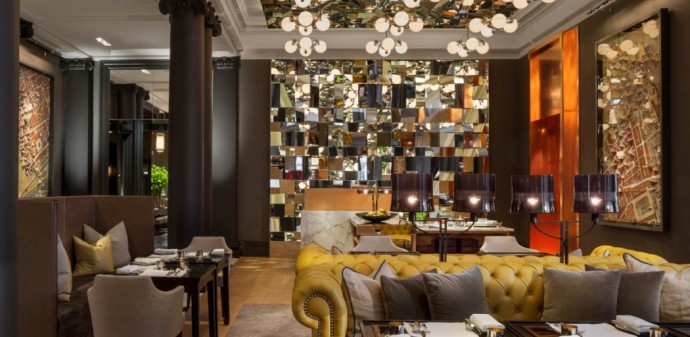 Living in Edwardian Luxury with Rosewood London - Mirror room