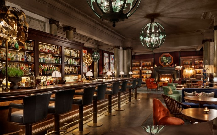 Living in Edwardian Luxury with Rosewood London - Scarfes Bar