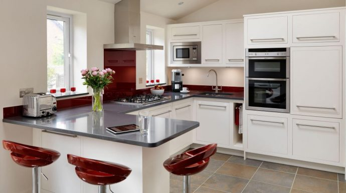Kitchen Islands – Making The Right Choice - By Harvey Jones Kitchens (Peninsular Island)