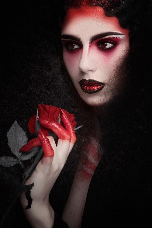 Vampire Kiss - By Karla Powell