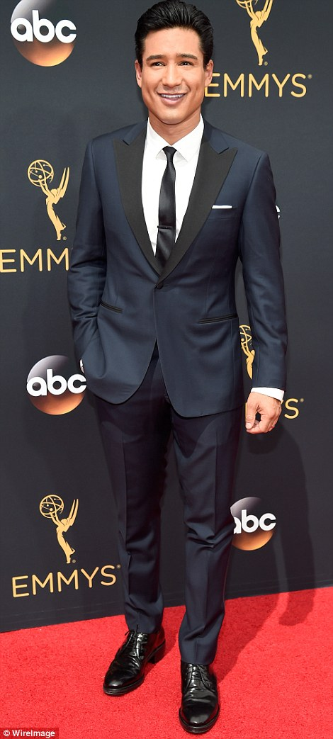 How To Wear Your Suit Like A Pro - Mario Lopez At The 2016 Emmy Awards