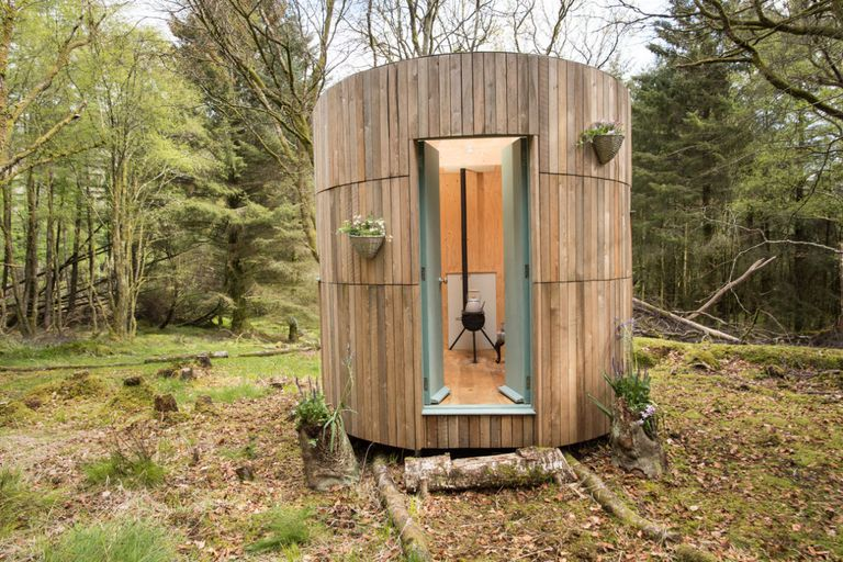 Shed Of The Year 2017 - ECO WINNER: Woodland Stargazer-Wee Tower – owned by Annie Maclean in Fort William - Image Via House Beautiful - By Cuprinal