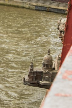 15-11-9 Vauxhall Bridge LR-7923