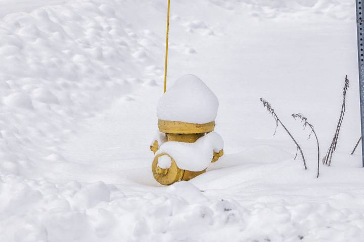 Londoners asked to dig out fire hydrants