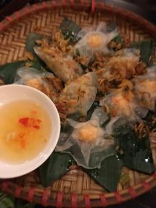 White rose dumplings full of shrimp