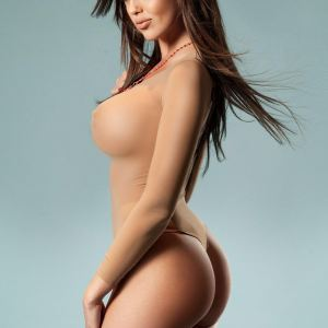 Angelina 34DD Model Kensington Escort in London