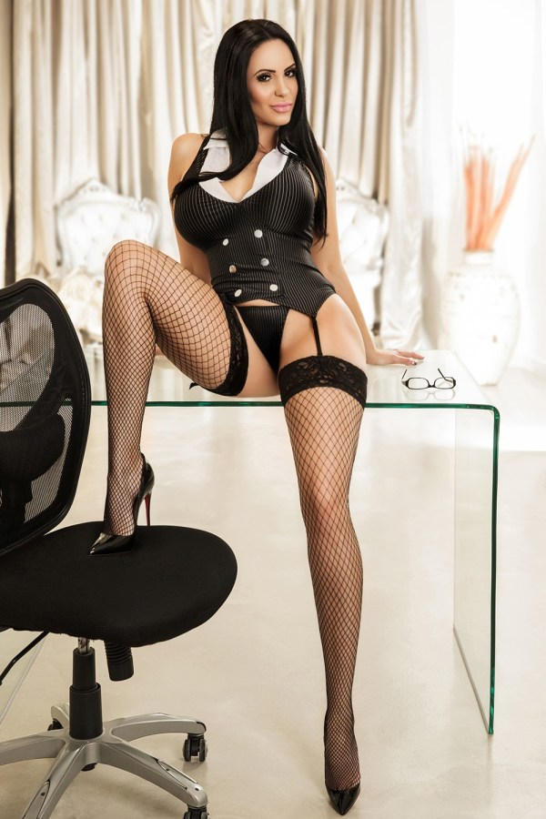 Clarissa 36DD Gloucester Road Escort in London