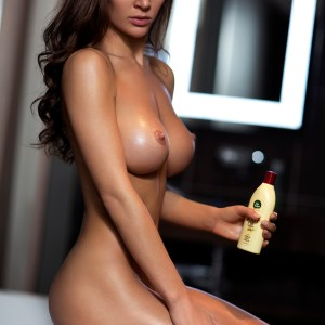 Kelly Kensington Escorts in London