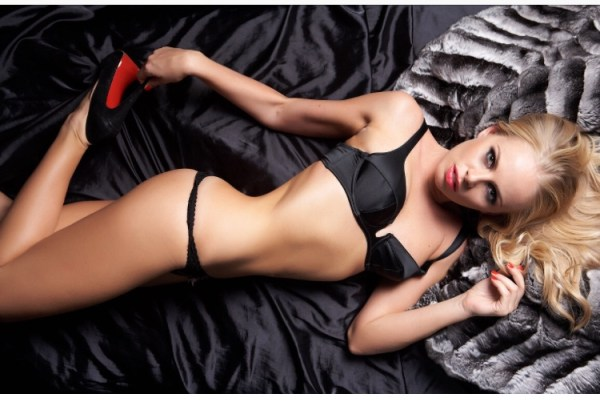 Kirsty Sexy 32B Blonde Slim and slender Model and Gloucester Road Escort