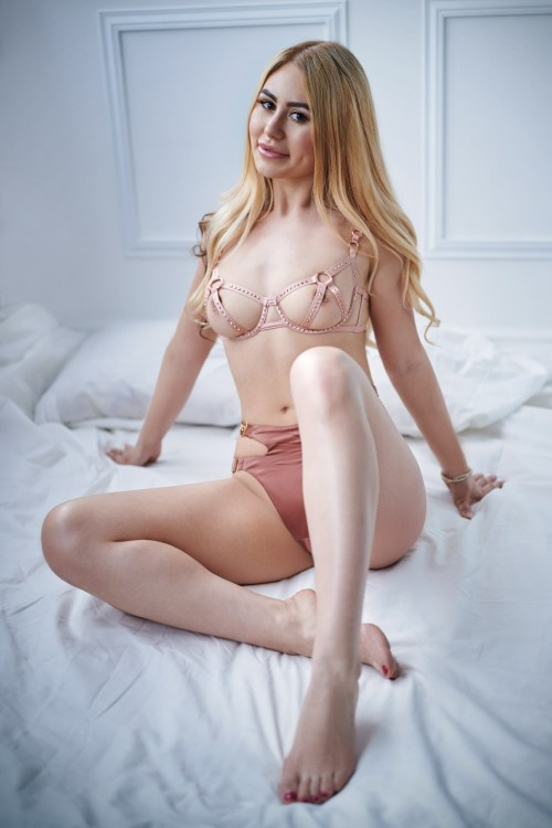 Marble Arch London Escort Anella