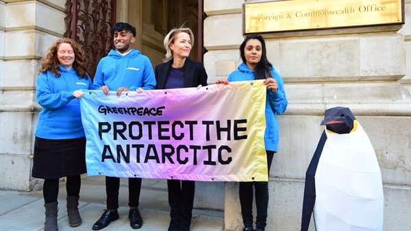Greenpeace, Gillian Anderson, Antarctic, Environment
