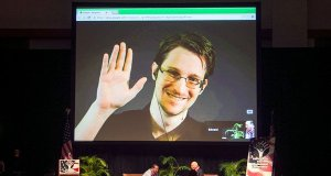 Edward Snowden approaches France for asylum