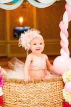 baby-girls-first-birthday-photoshoot-32