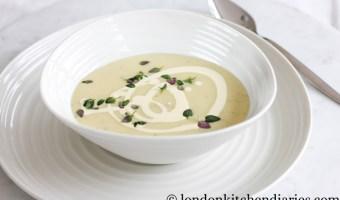Delicious Potato Soup with Cream & Herbs