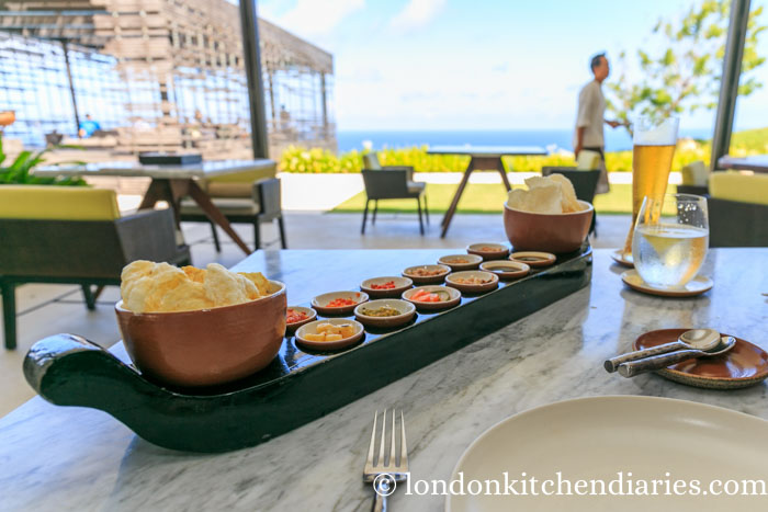 Complimentary crackers at Warung Alila Villas Uluwatu in Bali