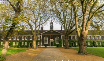 An Autumn Visit to the Geffrye Museum, Gardens & Almshouse