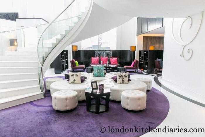 W Doha Hotel & Residences Qatar living room