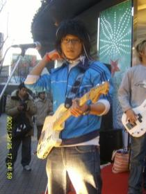 Swimmin' Fish: Hwang In-ho (Eric) (guitar)