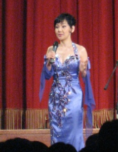 Kim Soo Hee's sparkly lilac dress