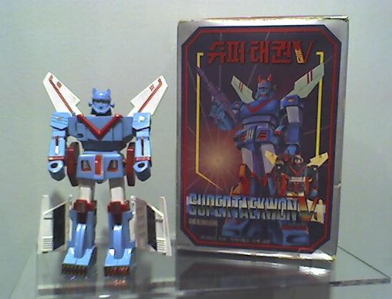 Robot Taekwon V toy