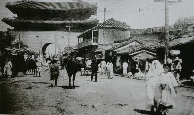 Namdaemun in 1906-7