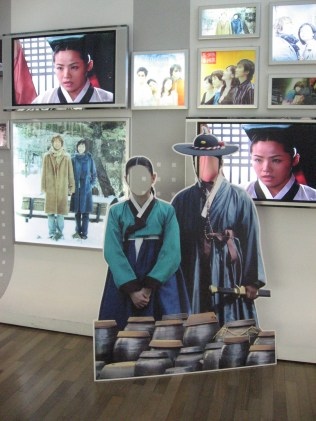 Enter the world of Jewel in the Palace at the Korean Wave Cultural Center