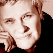 Singer Julie Matthews