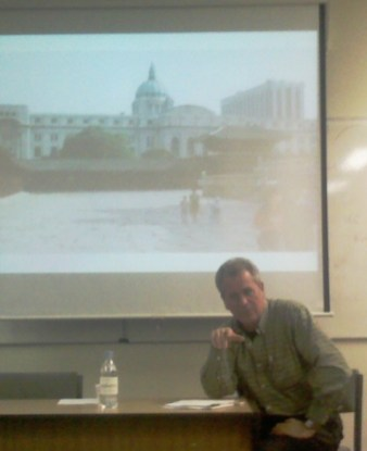 Dr. Howard Reid talking about his Gwanghwamun documentary