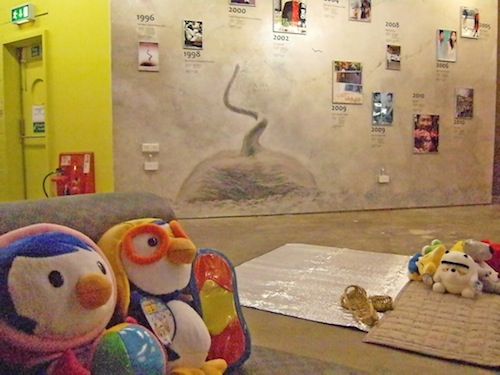 Pororo and friend seem unimpressed by the special Hong Sang-soo display