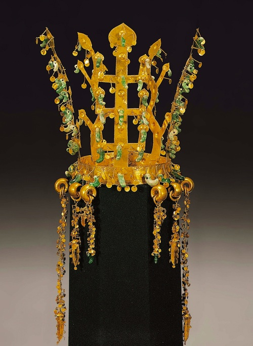 Silla dynasty crown