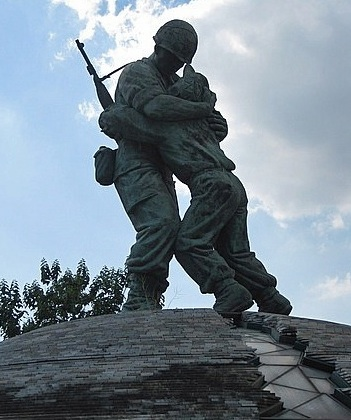 Statue of Brothers