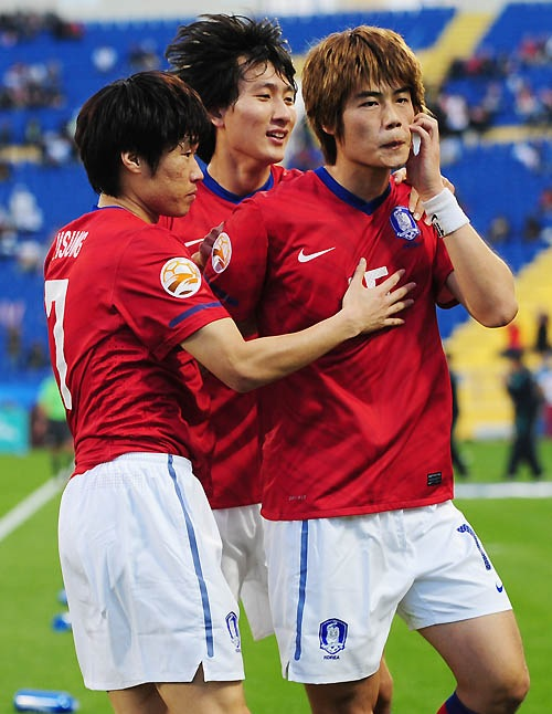 Ki Sung-yueng's controversial monkey imitation