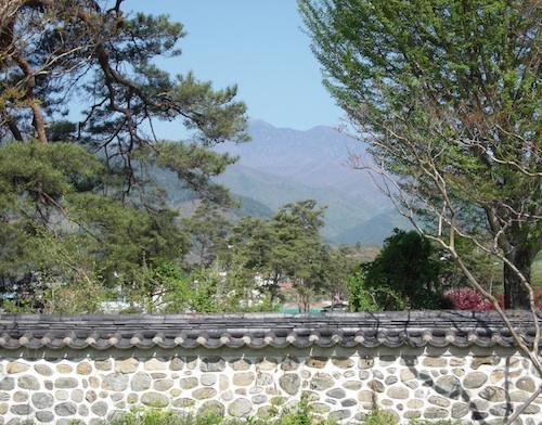 The view towards Chonwangbong from Deoksan-ri