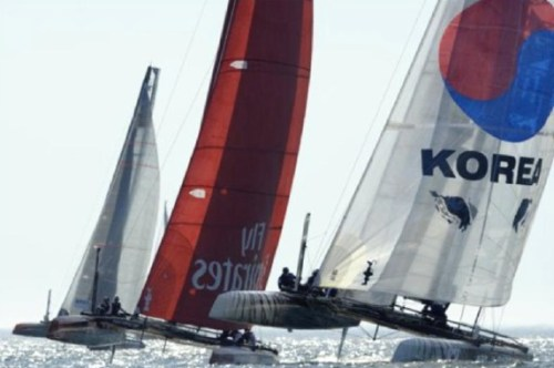 Team Korea grapple with the Emirates team in Portugal